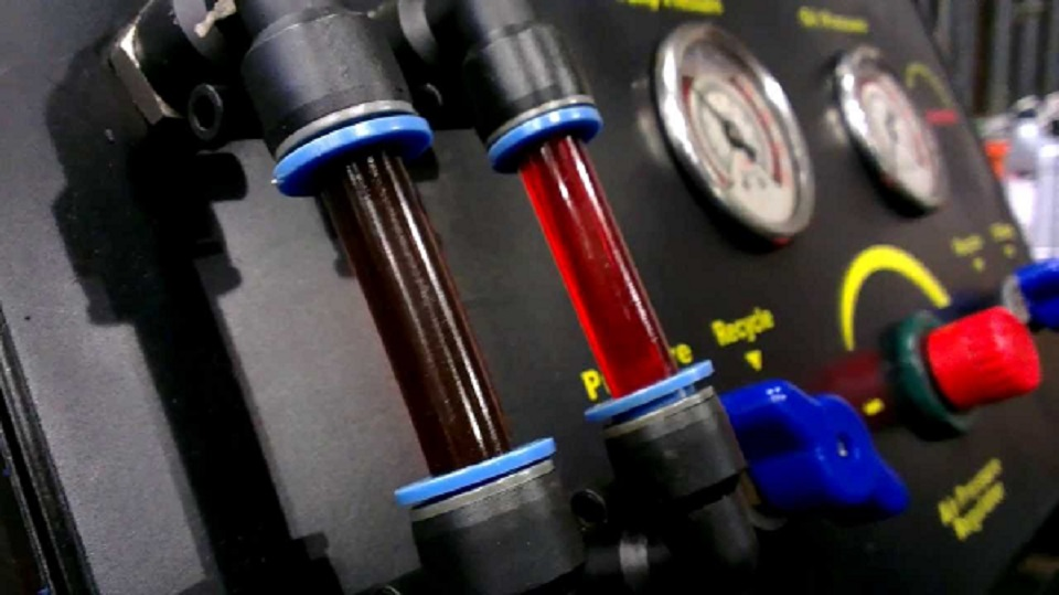 Troca do óleo de câmbio automático garante a vida útil do sistema de transmissão